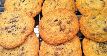 thin-crispy-chocolate-chip-