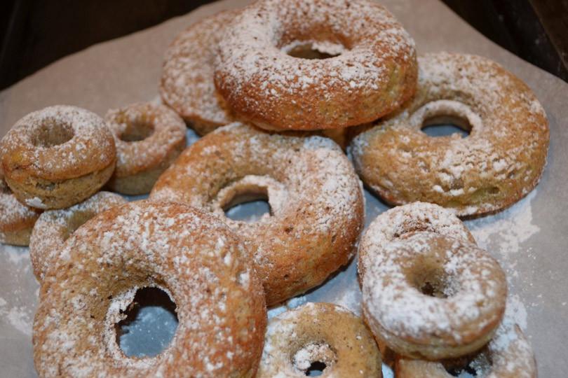 banana-doughnuts