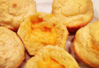 cheddar-stuffed-corn-muffin