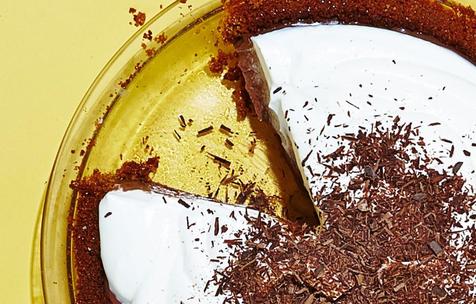 gluten-free-chocolate-cream-pie-940x600